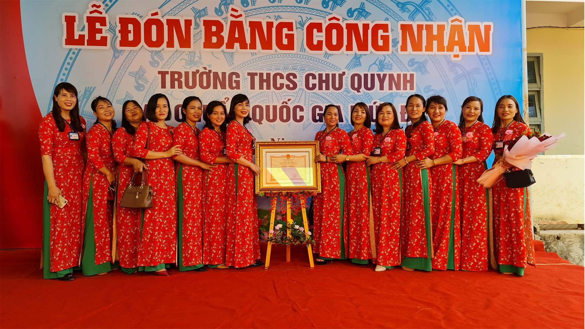 Giáo viên nữ THCS Chư Quynh