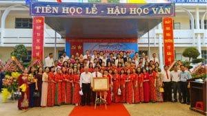 Trường THCS Chư Quynh đón bằng công nhận trường đạt chuẩn quốc gia